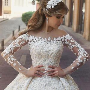 2018 Ball Gown Lace Appliques Beaded Pearls Wedding Dresses Bridal Gowns
