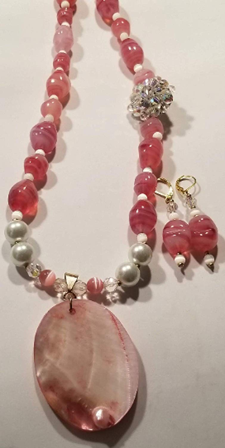 Pink Mother of Pearl Shell Large Pendant Pink/White Swirl Design Glass Bead Rhinestone Necklace Earrings Set