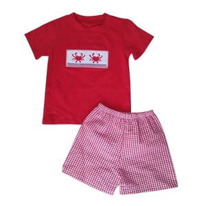 Casual holiday beach wear children summer boutique clothes family clothing sets crab applique baby boy clothes sets