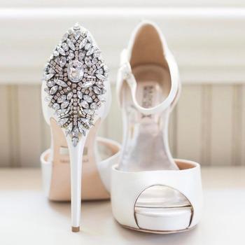 e7b7225196 2017 Custom Made Rhinestone Crystal Pearl Shoe Clips Buckle Wedding Bridal  Party Decoration