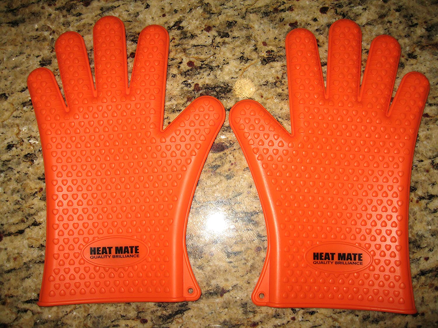 Bbq Gloves Heat Resistant - Silicone Oven, Baking, Smoking, Microwave, Cooking, Hand Gloves - Heat Resistant Kitchen Mittens - Super Incredible High Heat Proof Protection - Cool Safety Heavy Duty Grip Set - Eco Pot Holders - Best Heat Resistant Gloves - Waterproof - Outdoor Grill Hand/skin