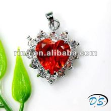 New design magnetic lady jewelry heart shape pendant