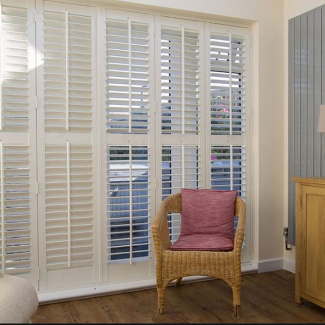 With Strong Scratch Resistant Pvc Louvered Sliding Closet Doors