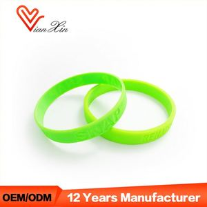 Cheap Plastic Clips Packaging Event Armbands Silicone Wristband