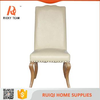 Blanc Royal En Cuir A Dossier Haut Chaise Avec Baroque