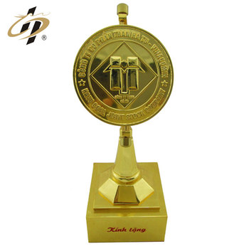 China manufacturer custom your own zinc alloy gold trophy with metal stand