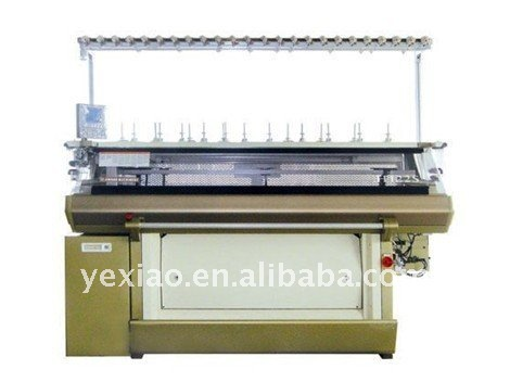 Automatic compteried circular flat knitting machine