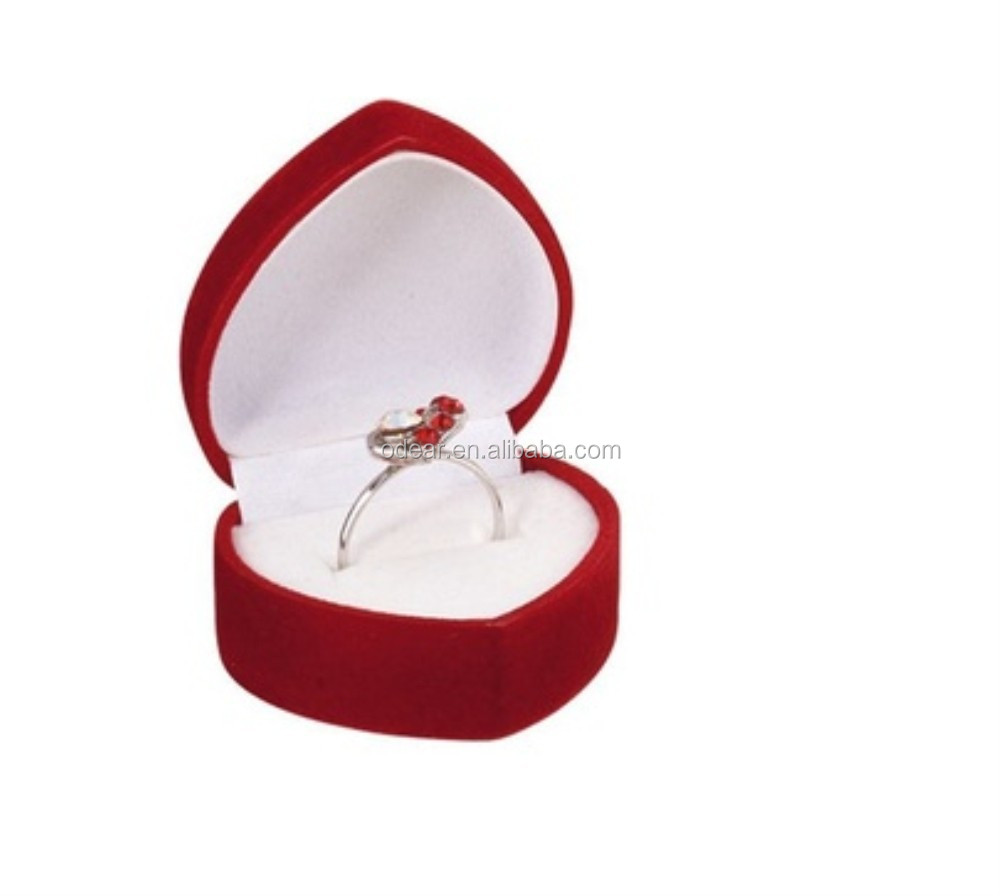 beautiful and funny heart shape ring box