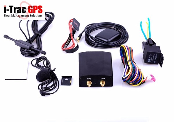 car vehicle auto gps tracker tracking locating locator with fuel level sensor lock unlock temperature monitoring