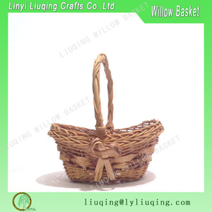 gorgeous romantic wicker cottage chic basket detailed oval with handle farm fresh country Victorian style, basket gift