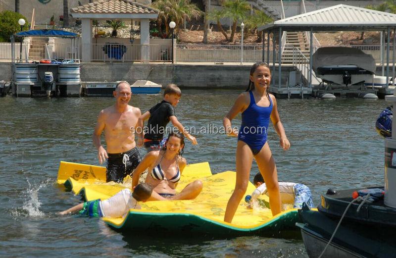 Nouveau design eau flottant tapis pour lacs piscine for Plateau piscine flottant