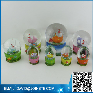 Yard snow water globes easter rooster snow globe