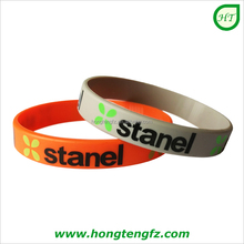 Promotional printed 2 color logo custom rubber wristband/ cheap silicon bands for event/ fashionable silicone charm wristband