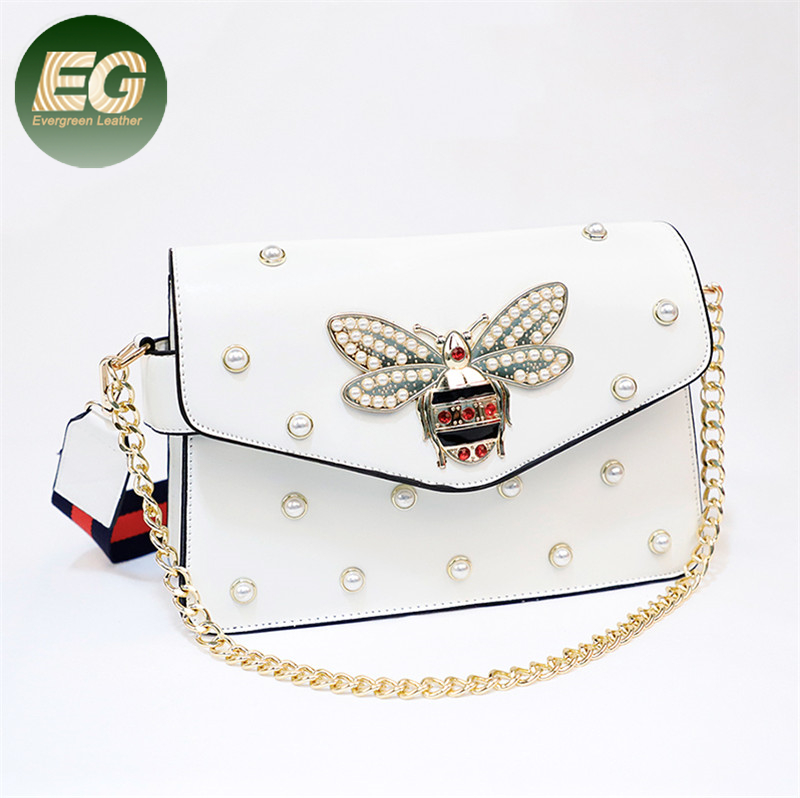 Popular <strong>design</strong> with bee pearl rivet handbags OEM golden chain shoulder bag SH884