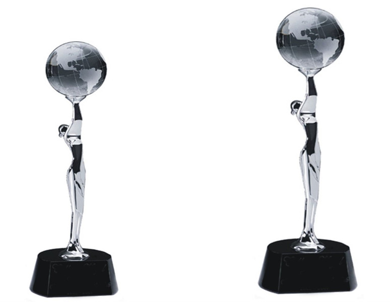 Noble New Design Custom Made Globo de Metal Prêmio Troféu com Base de Cristal