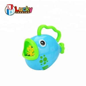 summer hand operated fish shape plastic bubble machine toy