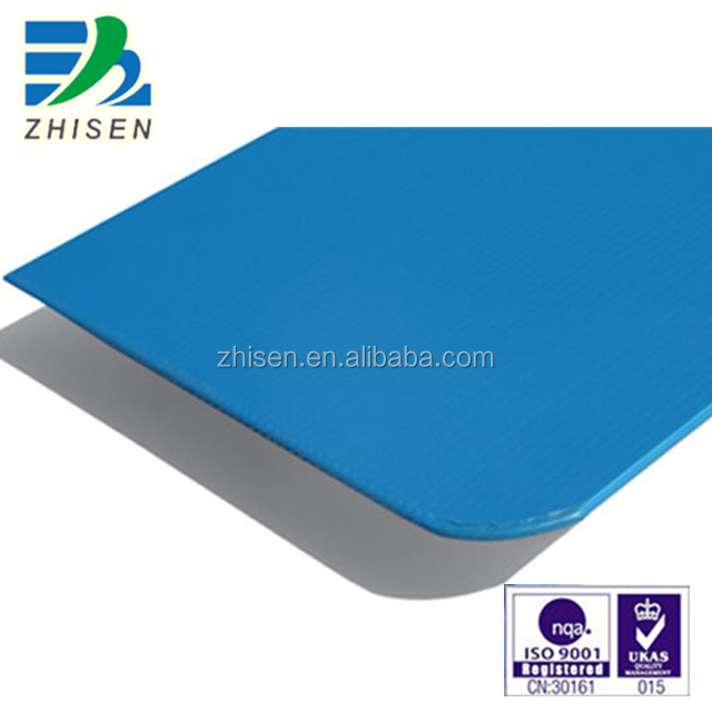 Plastic corrugated sheet with UV resistance