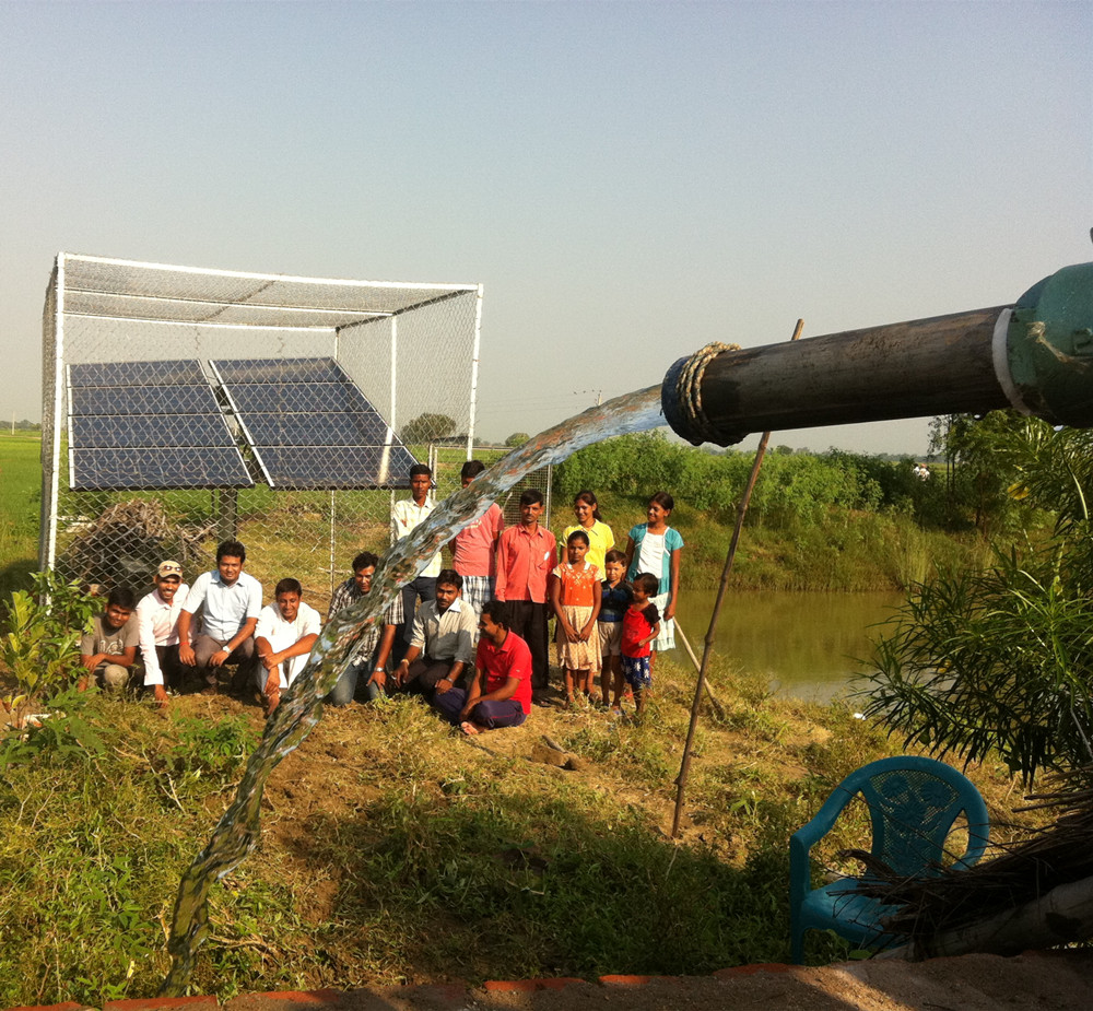 5.5KW-11KW Widely used solar water pump for village water supply