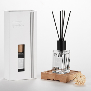 newly fashion home perfumes and fragrances with sloa flower and reeds