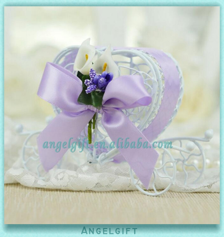 Wedding Favors Heart Purple Ribbon Purple Butterfly Knot White Flower Metal Carriage Chocolate Box