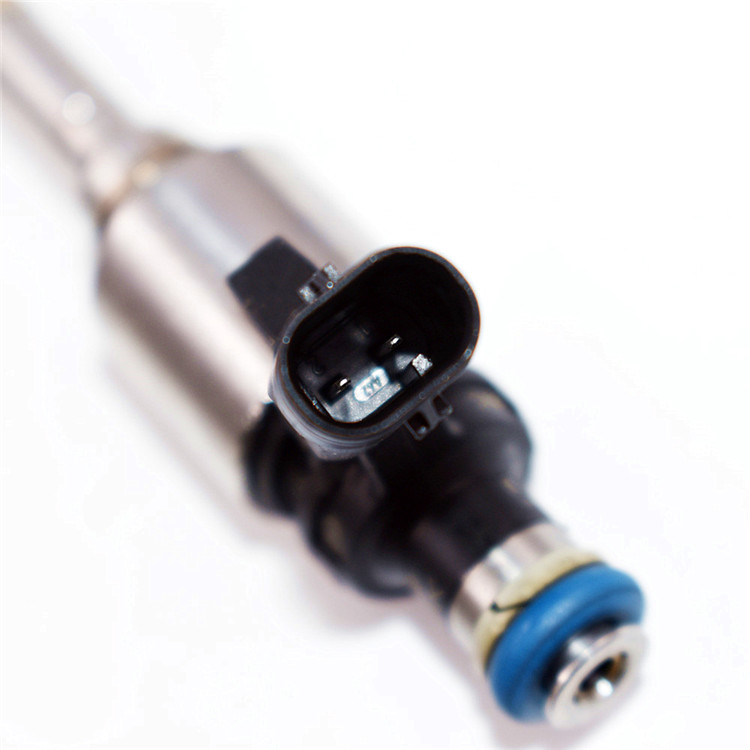 4*Fuel Injector 06H906036G For Audi A4 A3 A5 TT Quattro VW T5 Eos CC 0261500162