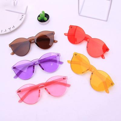 5f96eea449dbd Óculos de sol da moda em dubai compras online china barato por atacado