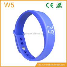 Custom logo promotional gift 3D pedometer wristband step distance calorie counter