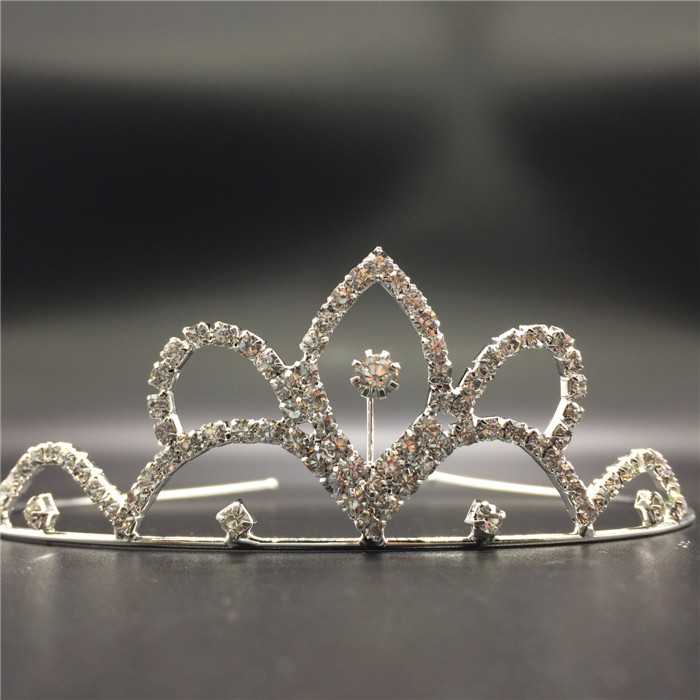 Factory wholesale rhinestone crystal metal decorative beauty queen crowns