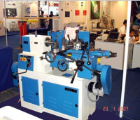 Capstan lathe with auto feed