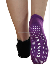Amazon Hot sell Custom cotton men women yoga grip socks