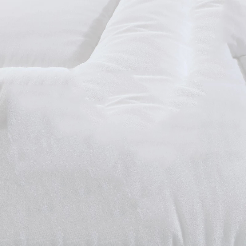 Wholesale Star Hotel Queen Size 200gsm 100% Polyester Microfiber Comforter