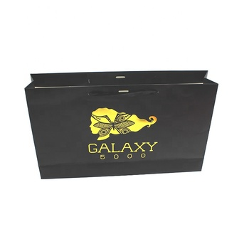 Guangzhou Manufacturer Custom Disposable Shopping Paper Packaging Bag with foil stamped logo and handles