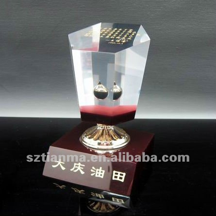 High Quality Oil Drop Resin Trophy Crafts Factory