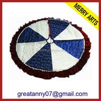 yiwu wholesale market high quality blue and white quilted christmas tree skirts