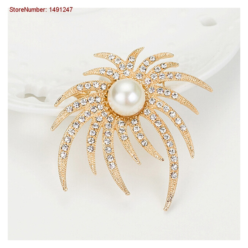Personality Luxury Golden Flame Vintage Brooches Women Luxury Pearl Jewelry Pins Accessories