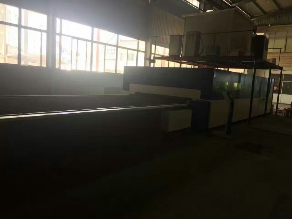6023,6025 enclosed auto feeding shuttle table laser cutting machine