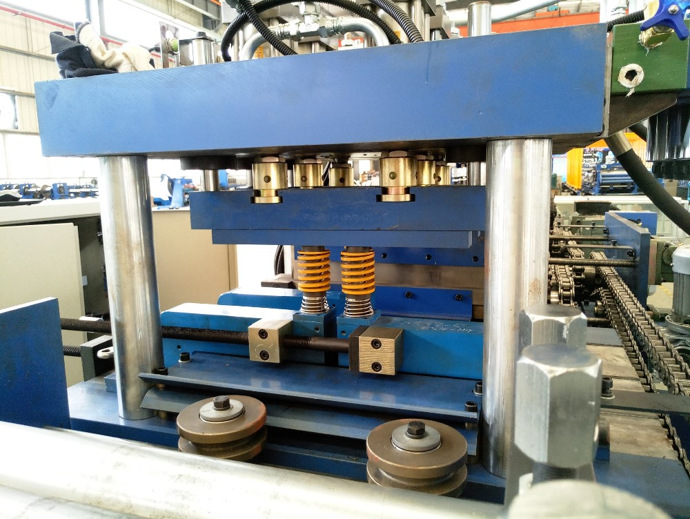 Cold formed steel c purlin roll forming machine