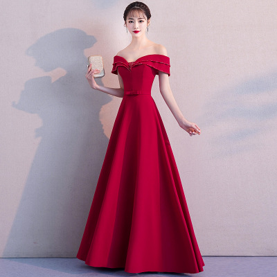 HQ166 Ruches Off Shoulder 2019 Elegant Avond Prom Dress Kralen Crystal Hot Rood Satijn Avond Party Wear vrouwen Gown