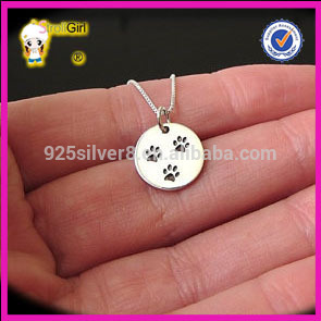 Three cute cat paw on round silver pendant black paw with box chain necklace