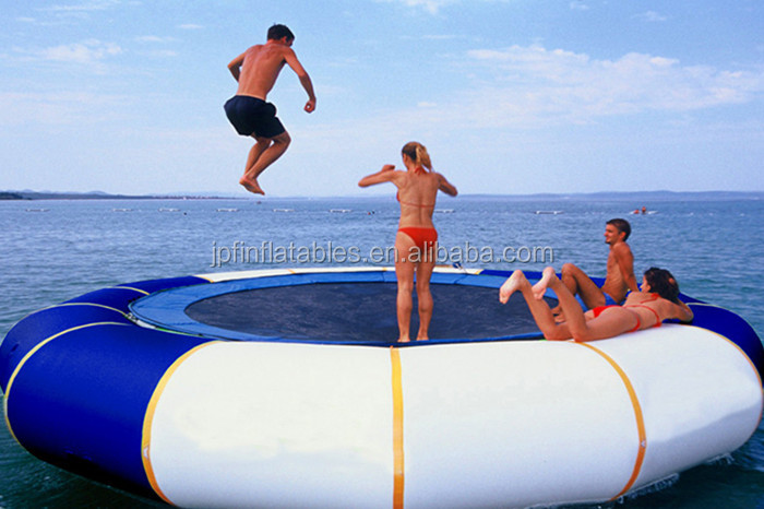 China factory price water toys 2019 Popular inflatable water trampoline with elastic