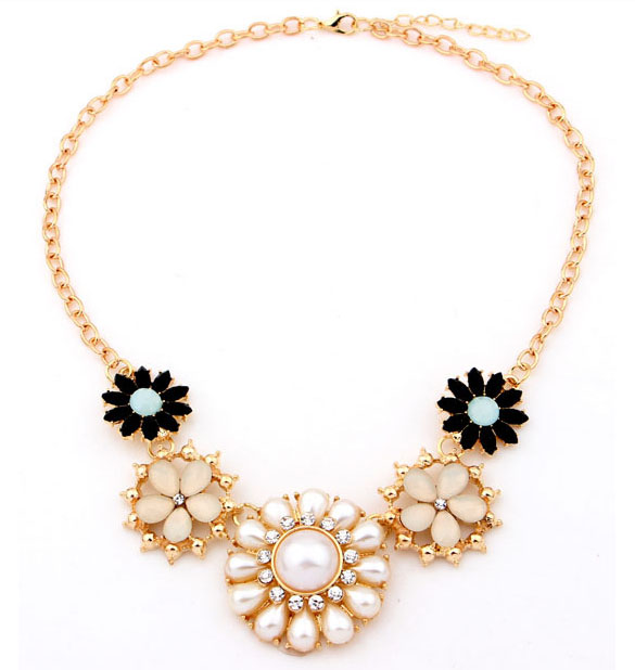 fashion alloy flower shape resin stones and pearls necklace
