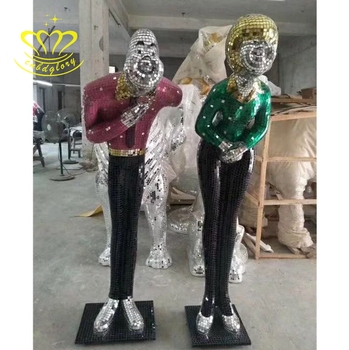 Customized fiberglass crafts New product Mosaic sculpture hotel Greeter figure statue