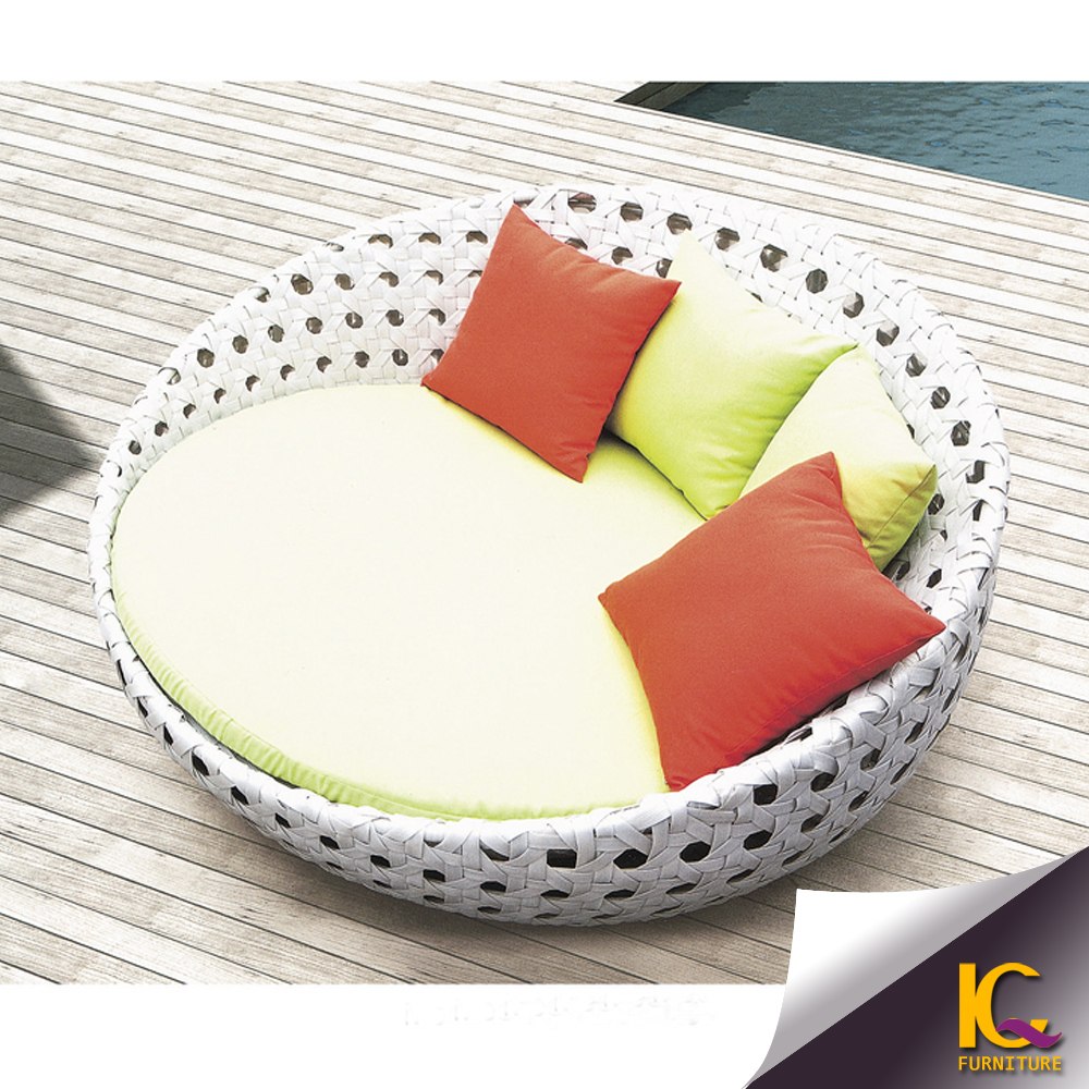Outdoor Rattan Furniture Big Round Chaise Lounge Sofa With ...