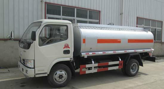 DFAC 90 hp 6 wheels fuel tanker