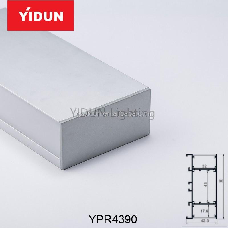 YPR43900.jpg