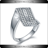 Top Sale 925 Sterling Silver Wedding Simple Ring Unique Zircon Pave Ring