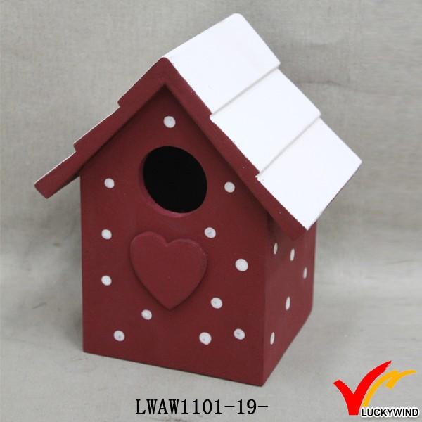 painting recycle mini birdhouse wood to decorate