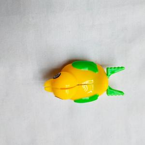 High quality plastic small yellow duck launcher toys for capsule and vending machine