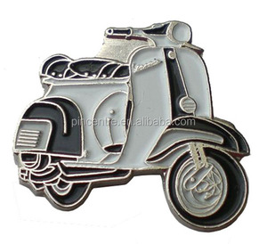 Vespa Scooter Mod Motorcycle pin badge