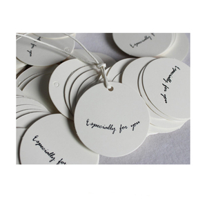 Circle white and black paper garment hang tags clothing swing tag hair extension tags